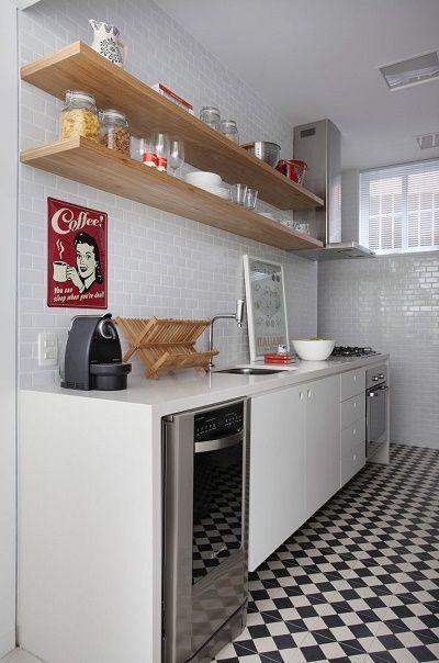 ideas para instalar unos estantes en la cocina