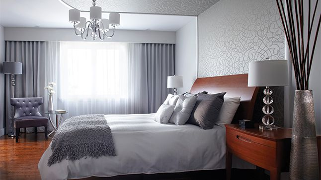 Le papier peint m tallique idees deco home decor home deco et master bedroom - Idee tapisserie chambre ...