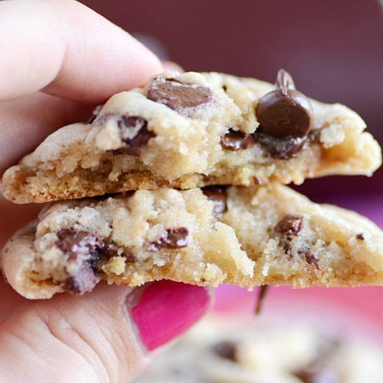 HERSHEY'S SOFT AND CHEWY COOKIE | Chewy chocolate chip ...