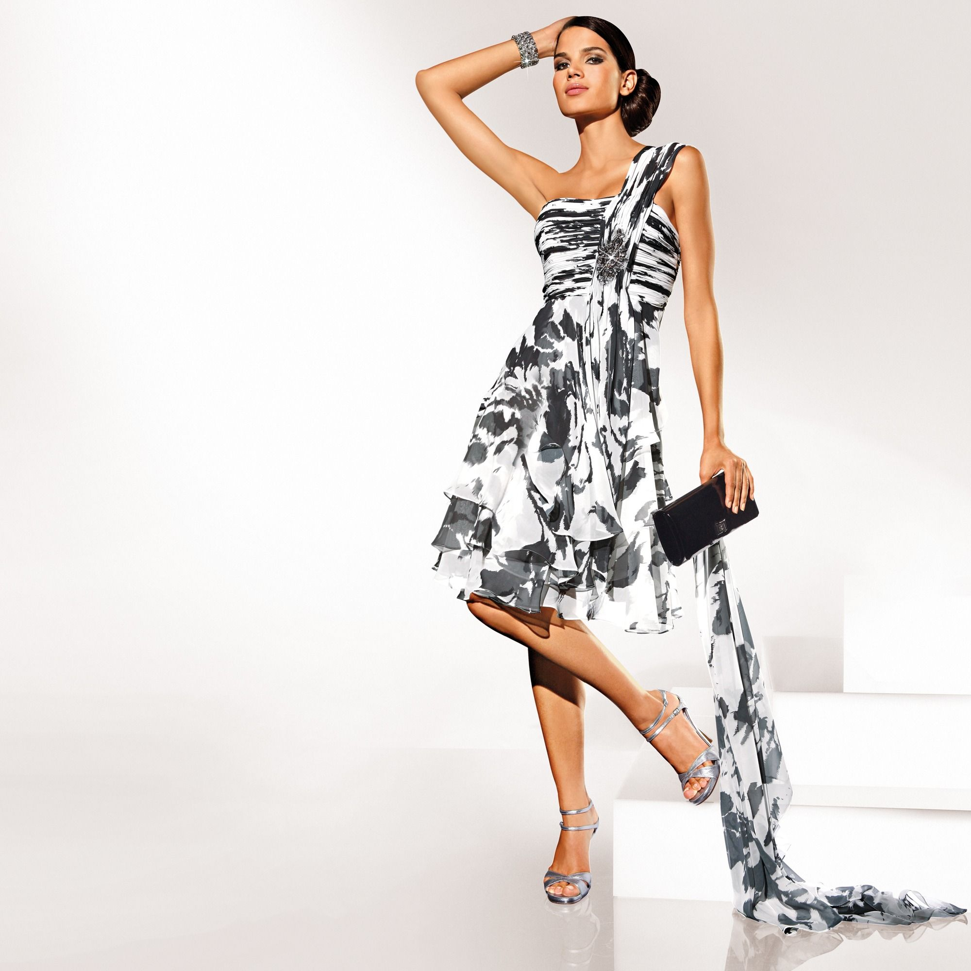 36423fb6819ea3 robe courte bustier drapée femme votre mode. Je veux voir plus de Robes  biens notées par les internautes et pas cher ICI