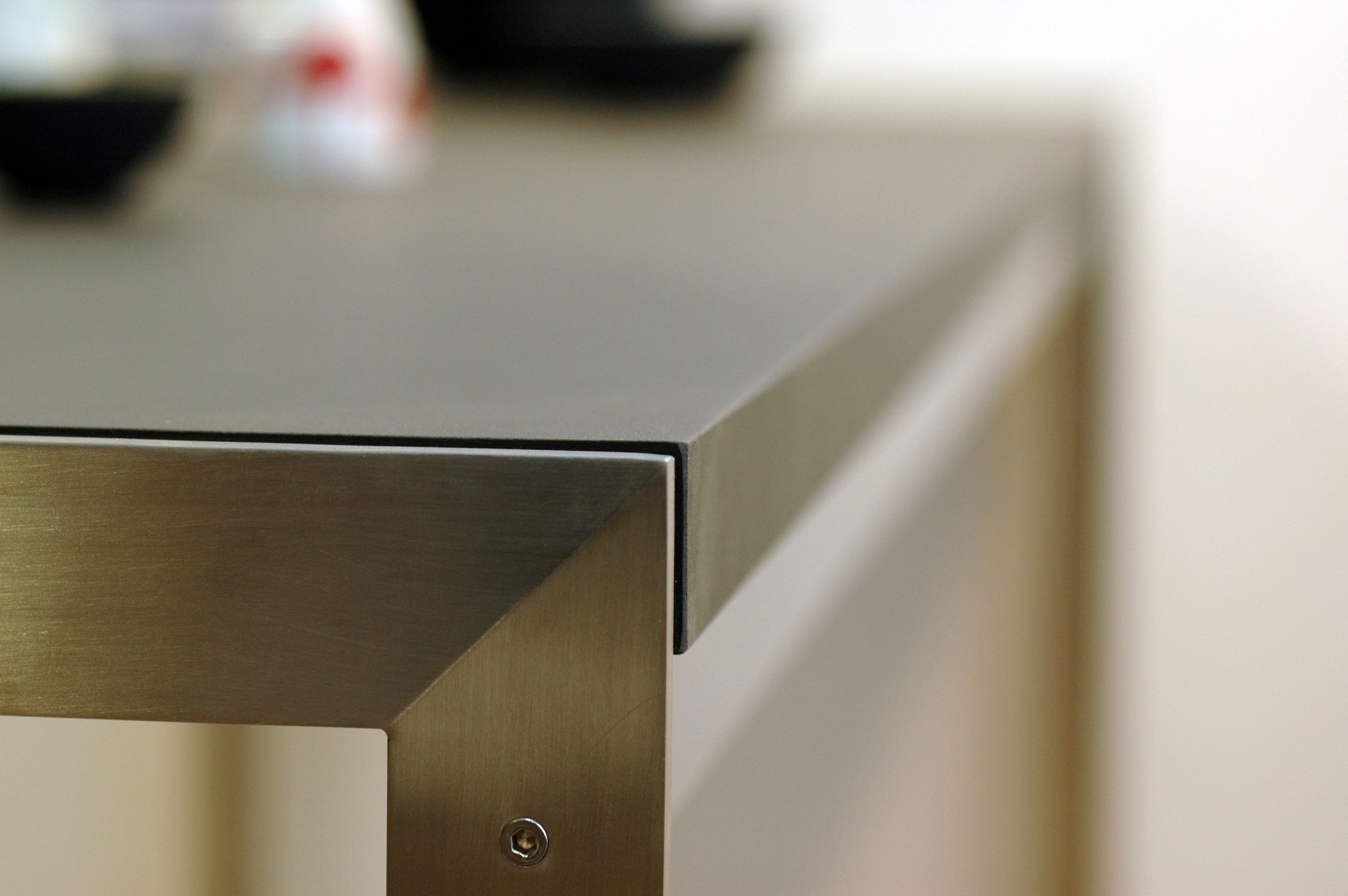 bord detalje peterboy overflade desktop furniture linoleum forbo interior design. Black Bedroom Furniture Sets. Home Design Ideas