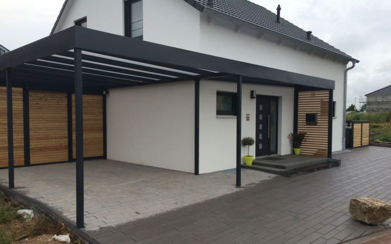 Carport Stahl Mit Glasdach Und Integriertem Zaun Holz Terrassendielen Holzzaun Holzplatte Holzbalken Carport In 2020 Modern Carport Carport Designs Carport Canopy