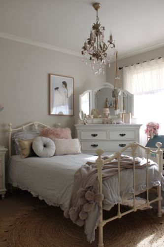 Girls Single Size Claremont Cast Iron Bed Vintage White Vintage