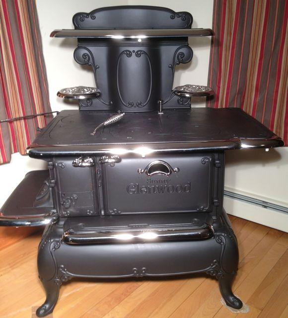 Glenwood Kitchen: Sunny Glenwood. Weir Stove Co, Taunton Ma. Perfect Example