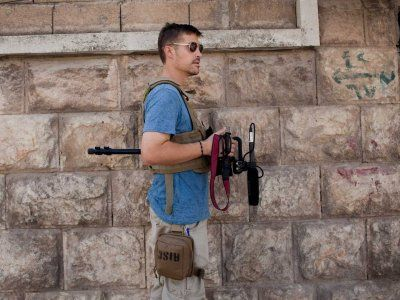 ISIS Releases Video Of The Beheading Of Person It Claims Is Missing American Photojournalist James Foley | Business Insider