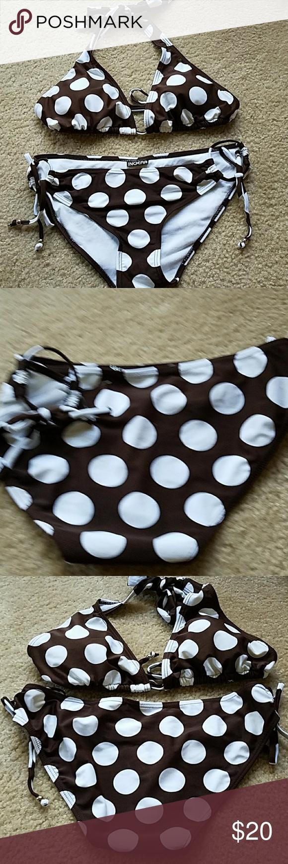 Polka dot bikini Like new, fits med to small. Adjustable ties on sides of bottoms. Full coverage bottom. Swim Bikinis