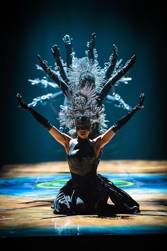 Cirque Du Soleil S Amaluna Brings A Mystical Island Ruled By The Moon To The Pepsi Center Cirque Du Soleil Circus Art Cirque