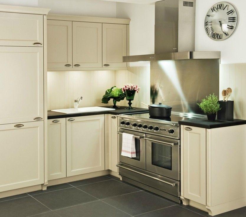 Cuisine de chef darty avec piano de cuisson en inox une tr s belle cuisine avec un un vier - Piano en cuisine ...