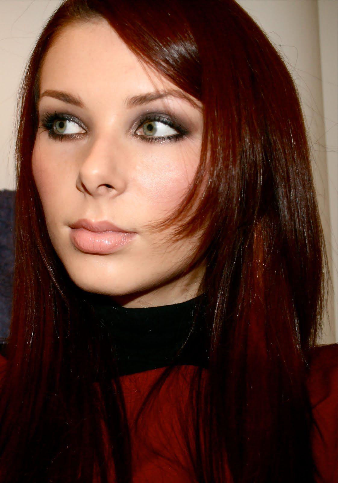 Shadow look for green eyes Green eyes, Hair, Makeup