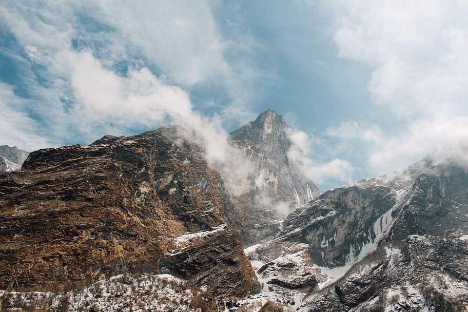 Poster & Download: Berge Summit Peak Himmel Wolken High Top Kategorien: landschaften, mountains, summit, peak, sky, clouds, high, top, environment, nature, extreme, mountaineering, altitude, scenery