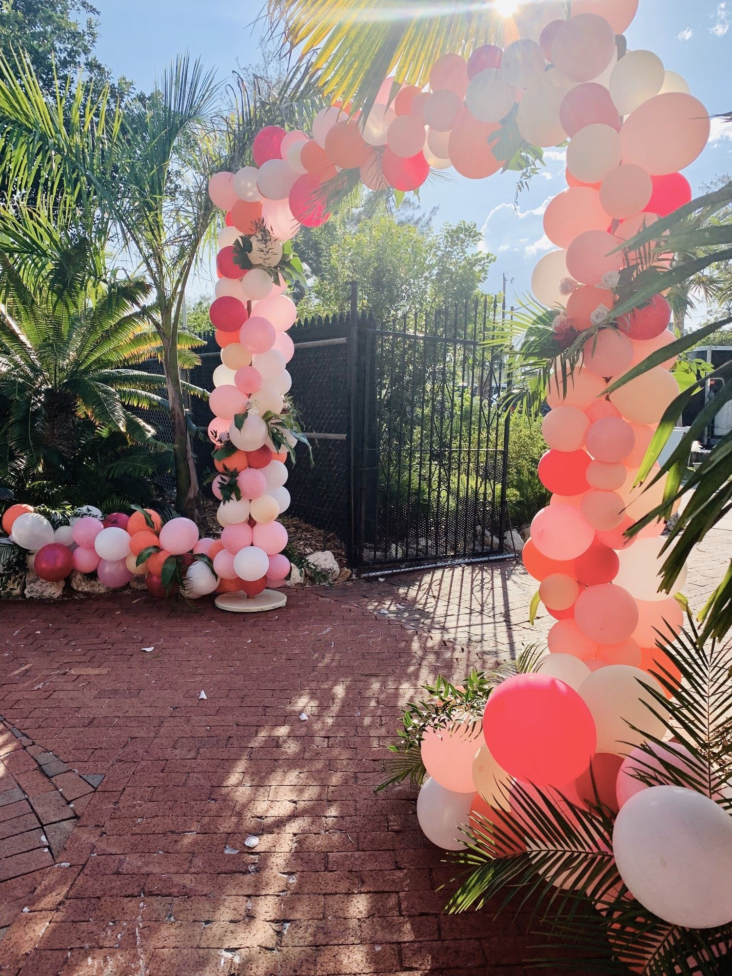 We don't think we're alone when we say we're obsessed with balloon arches. The bigger and more dramatic, the better! When our birthday client mentioned having a balloon arch at her 40th celebration, we jumped at the chance and had to do it! We were so excited to see how it would turn out, and here it is!   We don't think we're alone when we say we're obsessed with balloon arches. The bigger and more dramatic, the better! When our birthday client mentioned having a balloon arch at her 40t #balloonarch