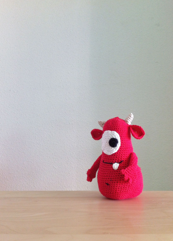 Amigurumi red monster invented pattern / monstruo rojo inventado de ...