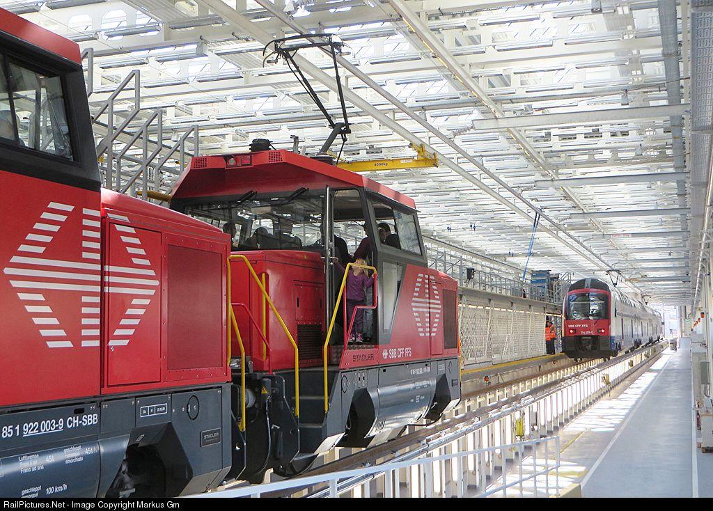 RailPictures.Net Photo: 922 003-9 & 002-1 SBB Ee 922 at Zürich, Switzerland by Markus Gmür