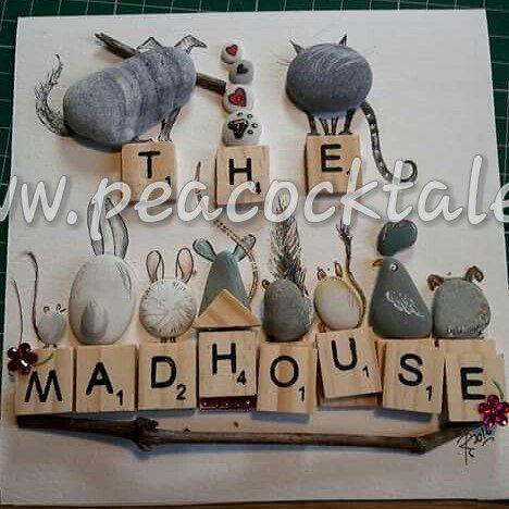 #art #artist #artoninstagram #pebbles #pebbleart #pebbleartcommissions #pebbleboxes #pebblepictures #paintedpebbles #peacocktalesonfacebook  #petsandpeopleonpebbles