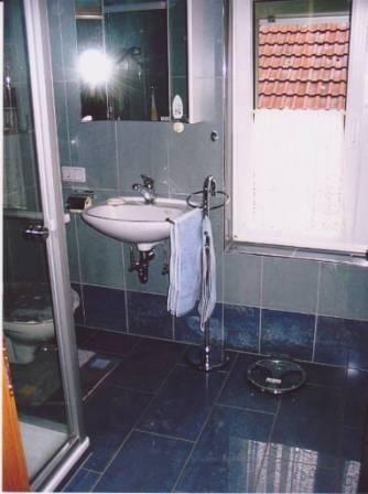 Fliesen Im Badezimmer Hochkant Bis Zur Decke Verlegt Badezimmer - Badezimmer fliesen bis zur decke