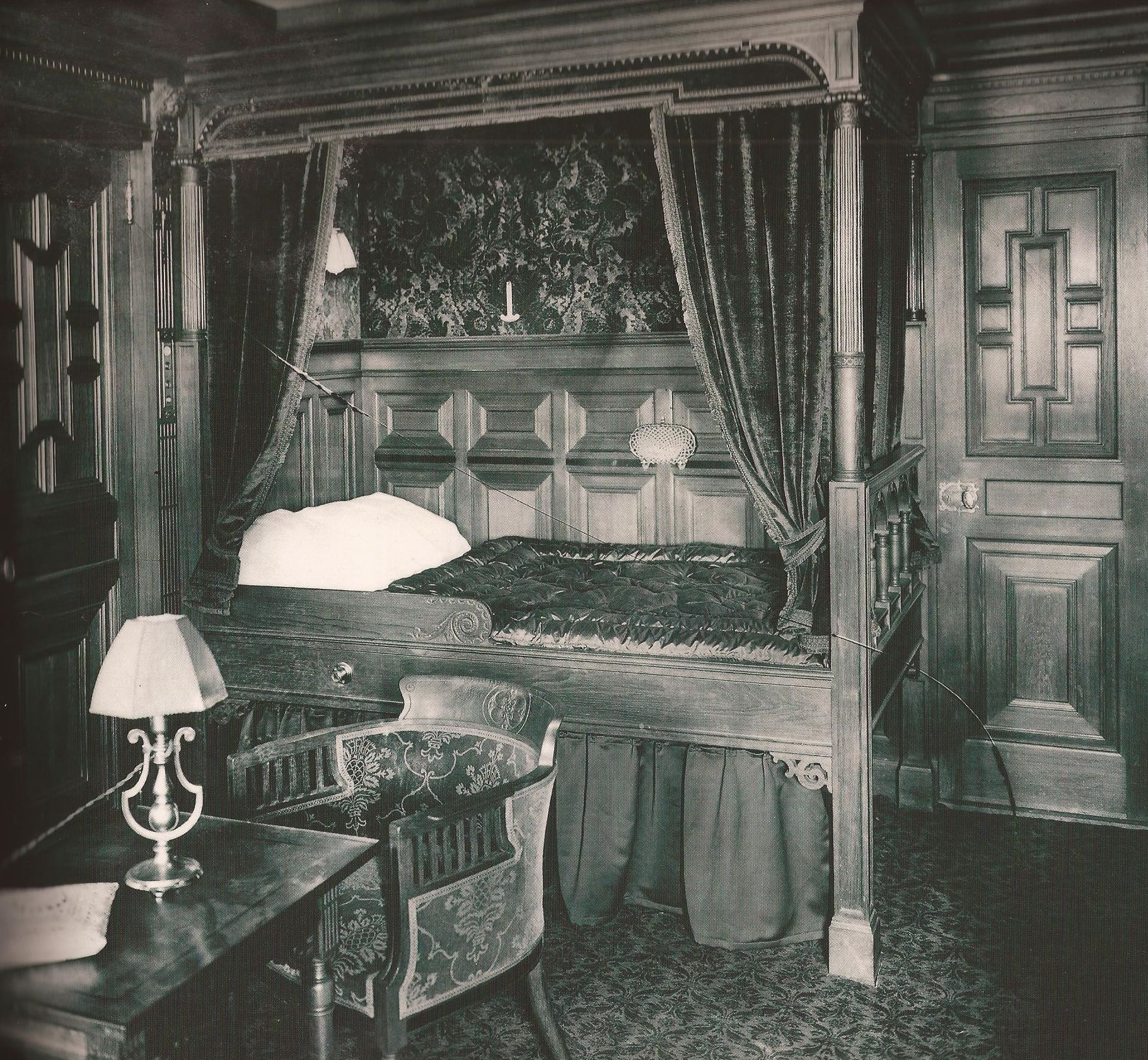 Titanic Bedroom Theme: The Unsinkable Legend Of The Titanic—100 Years After The