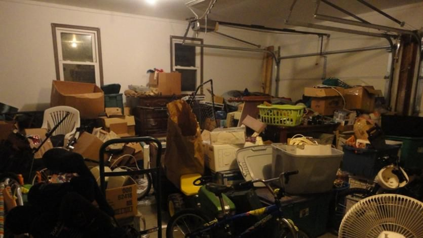 Are you looking for house cleanout service in Green Valley