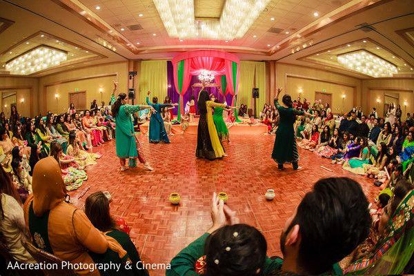 Mehndi Party Dance : Mehndi party dance http: www.maharaniweddings.com gallery photo