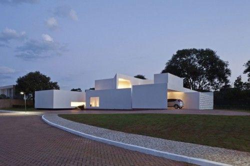 Migliari Guimarães House – Brasília, Brazil By DOMO Architects | Interior Design inspirations and articles