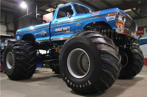 Monster Trucks News And Information Autoblog Monster Trucks Trucks Lifted Ford Trucks