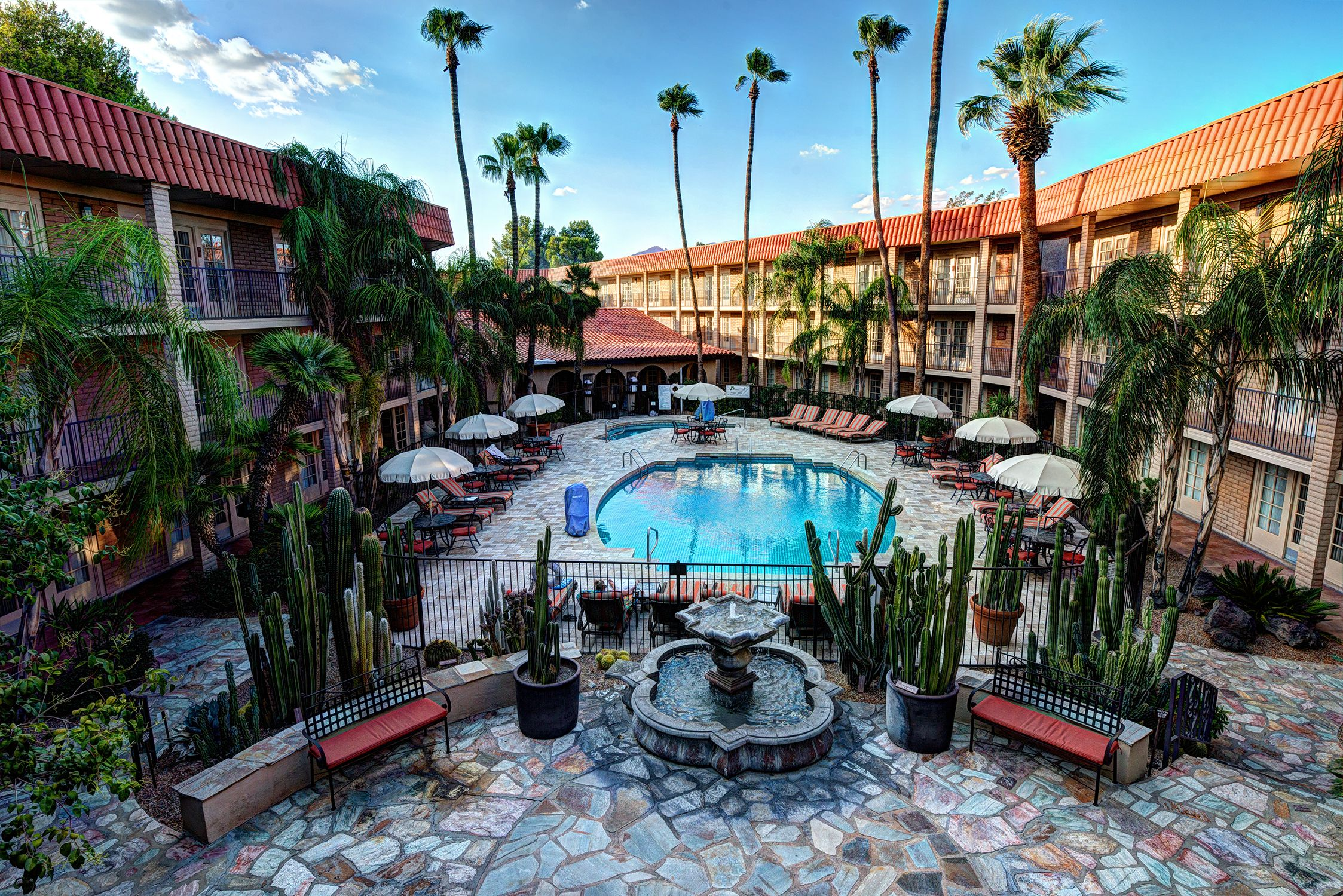 DoubleTree Suites by Hilton Hotel Tucson Williams Center