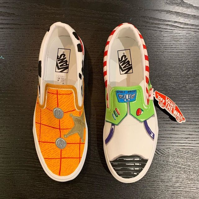 TOY STORY BUZZ AND WOODY - Vans Slip