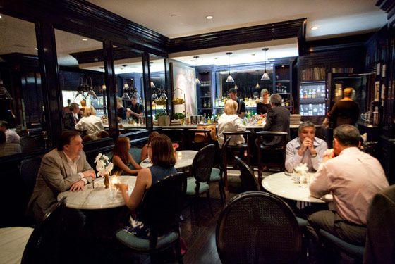 Lantern S Keep New York Magazine Bar Guide New York Bar Lanterns Iroquois Hotel