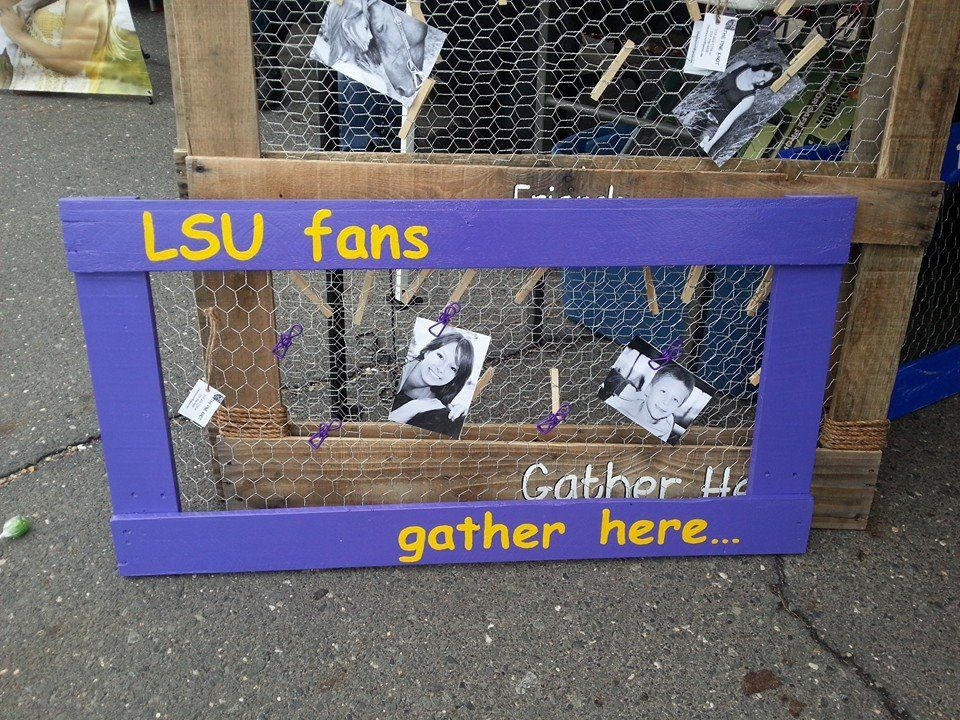 LSU fan picture holder made from pallet wood and chicken wire.