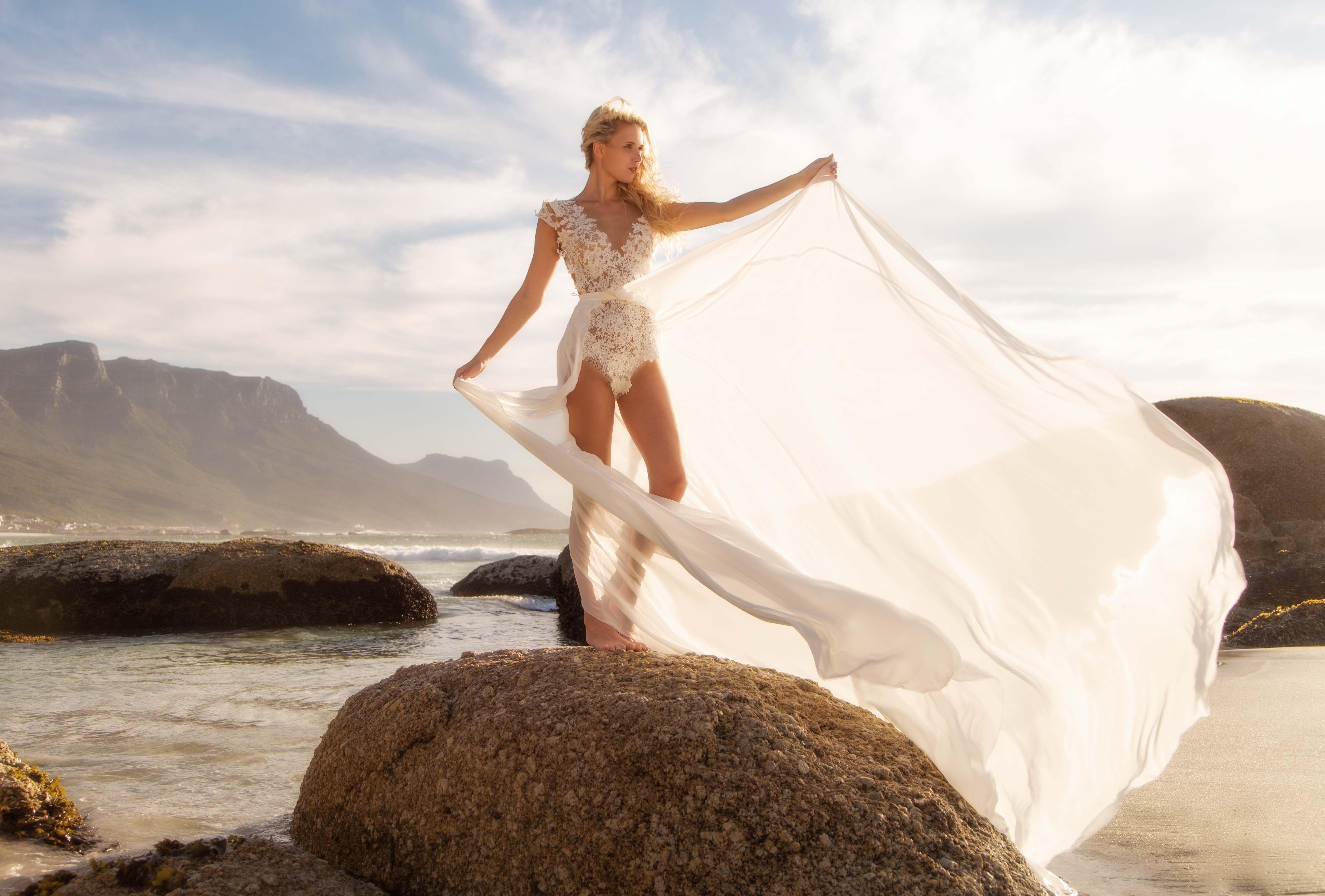 Emanuel Hendrik Body Suit Dance Train Nina Wedding Dress Wedding Duesseldorf Handgefertigt Handmade White Kleid Hochzeit Braut Hochzeitskleid