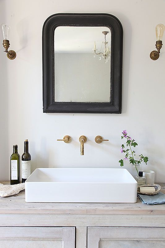 Attrayant Salle De Bain Rustique Chic, Miroir, Mitigeur Encastré | Rustic Chic  Bathroom