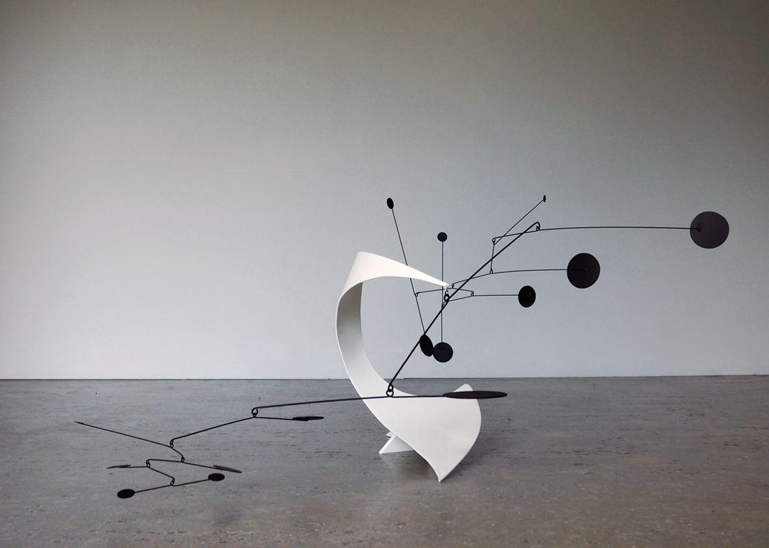 Shadowy Stabile Estampille Px446 En 2020 Sculpture Deco Interieure Oeuvre D Art