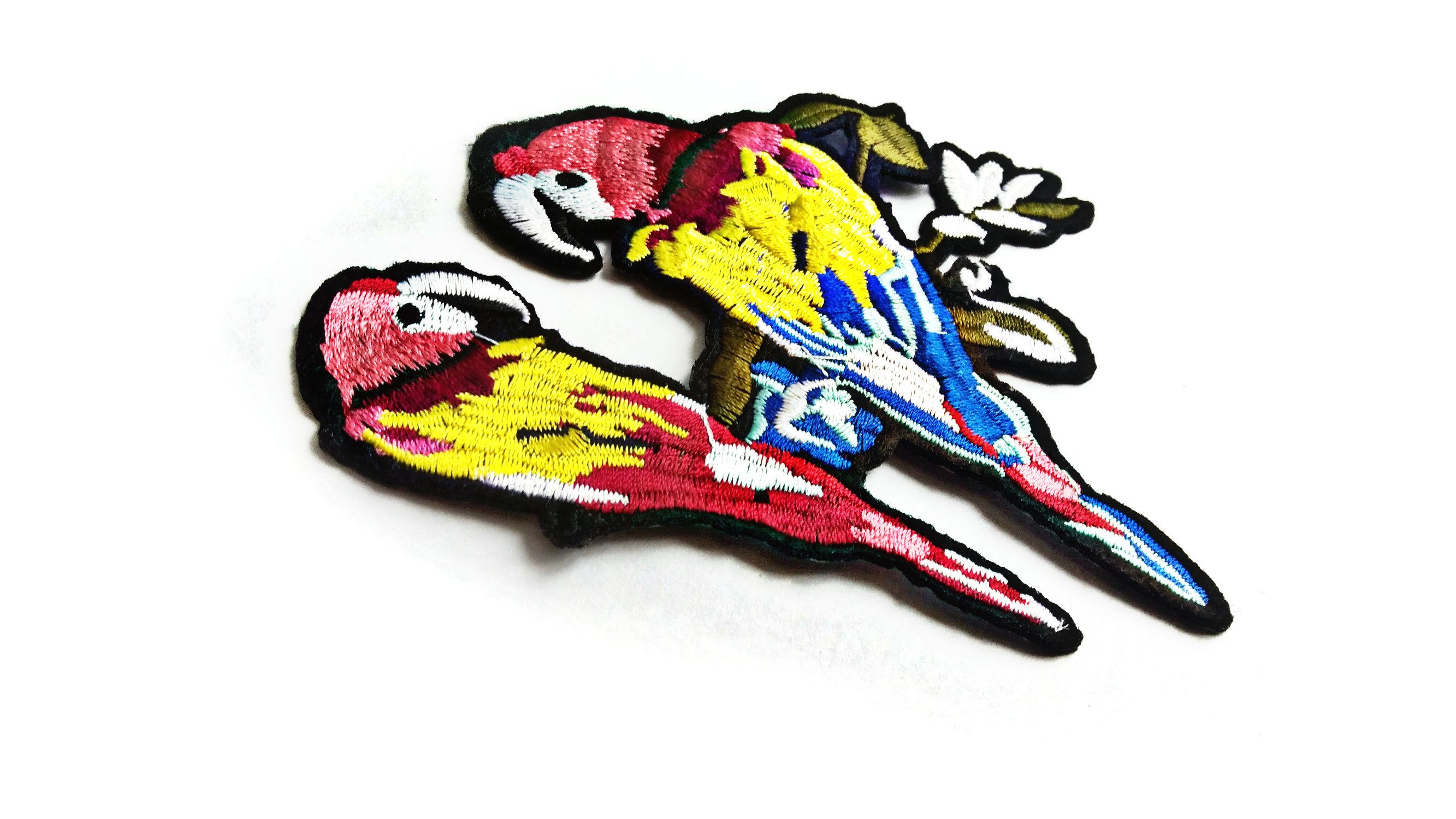 Embroidery Iron On Sew On Patch Parrot Bird Decoration Badges for Sewing Clothes