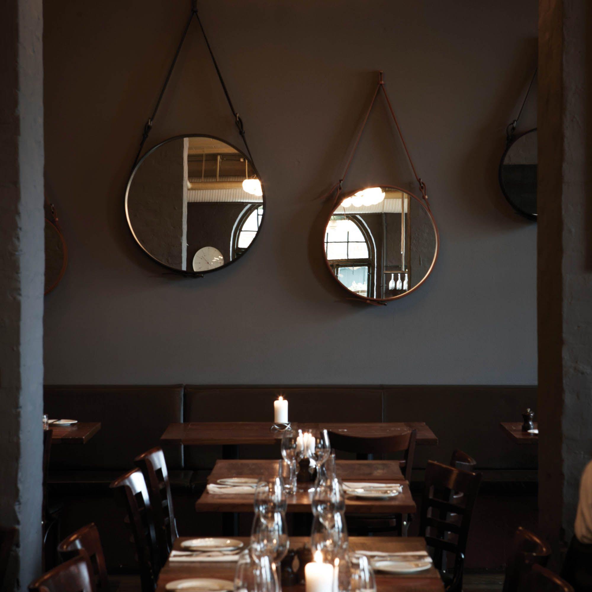 Gubi Wandspiegel Rund Adnet Glas Leder Braun Wandspiegel
