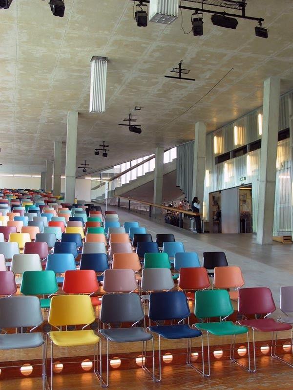Innenarchitektur Niederlande inspiratiebeeld presentation room presentatie ruimte moods öffentlich