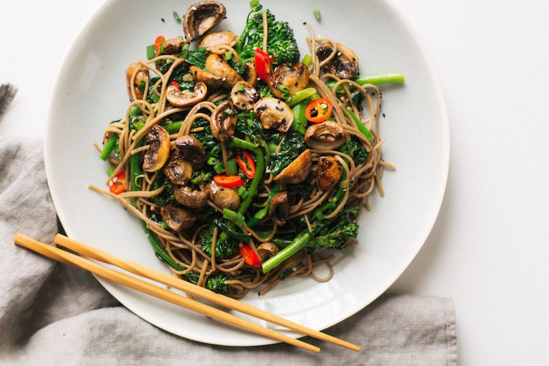 13 Easy Noodle Dishes for Weeknight Slurping // Easy // Pasta // Healthy // Recipes // Weeknight