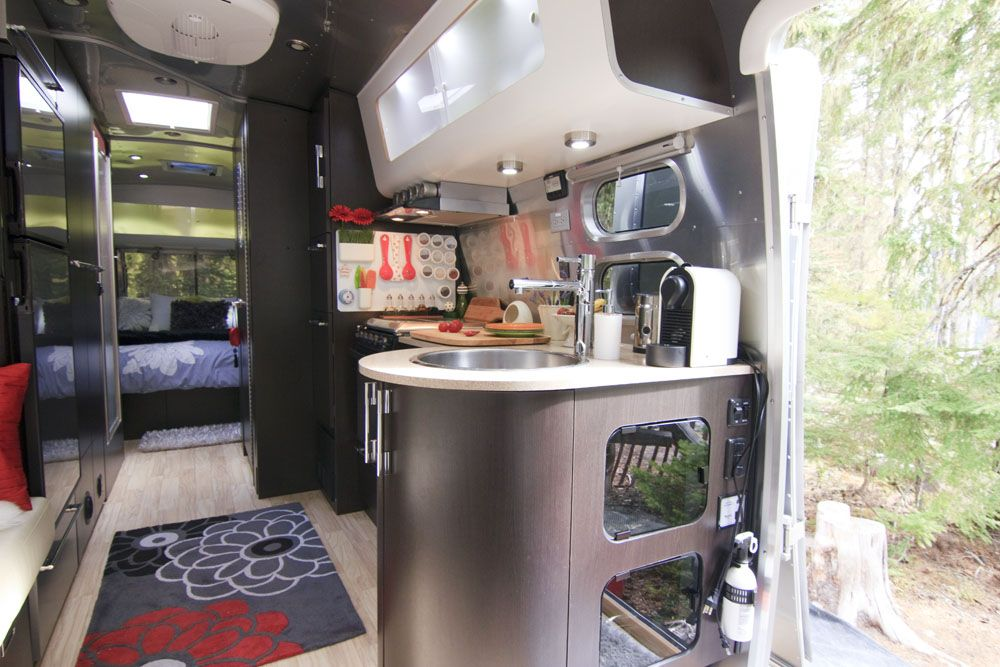 Peek Inside Our Airstream 187 Just 5 More Minutes Fantasy