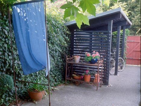 fahrrad unterstand selber bauen gartenhaus fahrrad. Black Bedroom Furniture Sets. Home Design Ideas