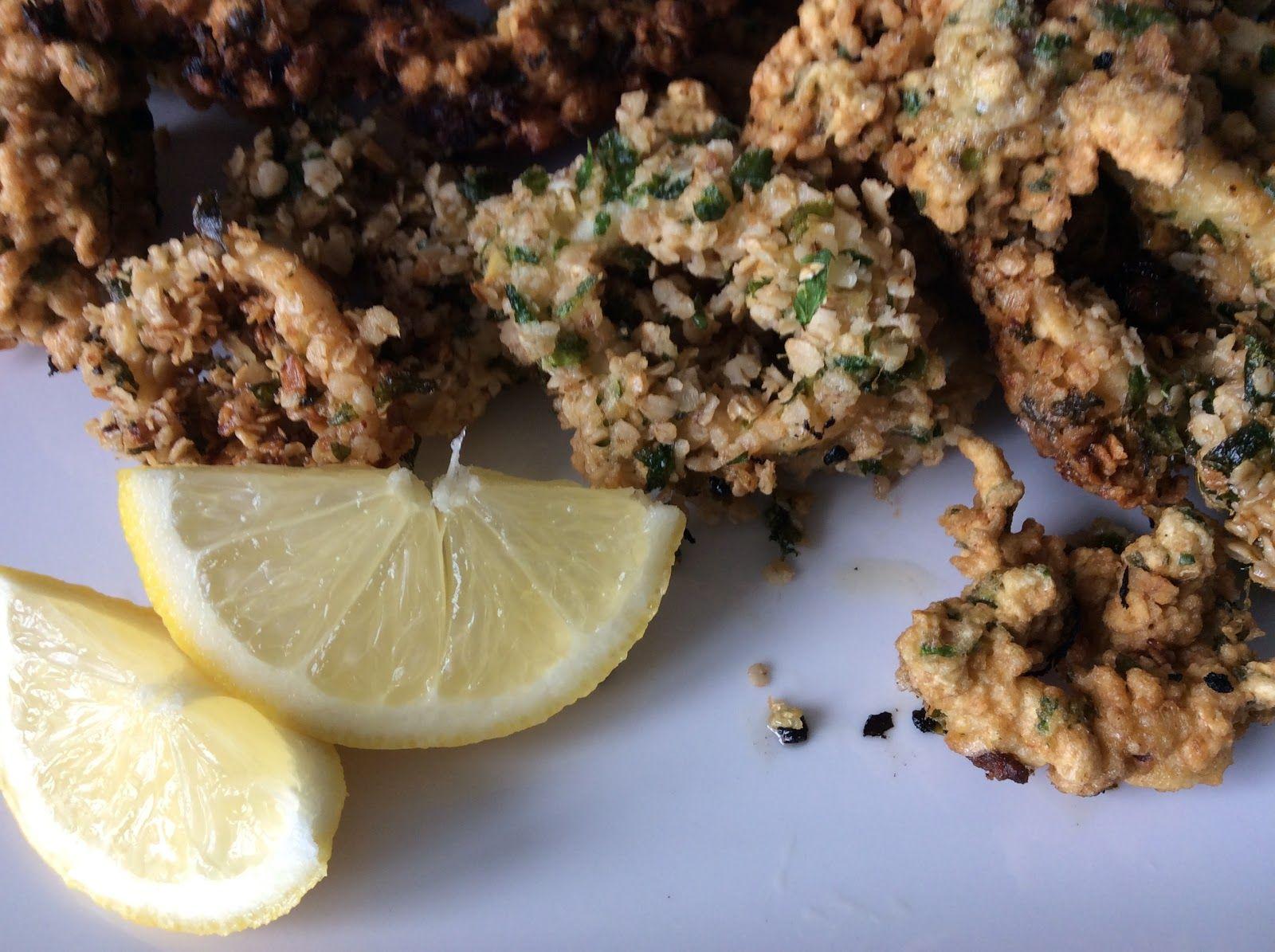 Cécé... : Anneaux de Calamars en croûte de persillade et flocons d'avoine.