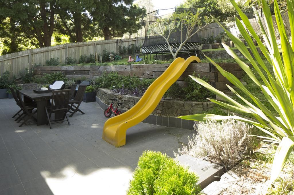 great idea off the retaining wall