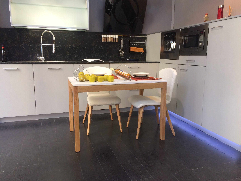 Ejemplo de apertura de mesa de cocina nordica 3 6 con for Ofertas encimeras cocina