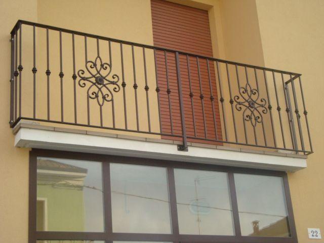 Ringhiere per balconi in ferro qt34 regardsdefemmes - Ringhiere in ferro battuto per balconi esterni ...