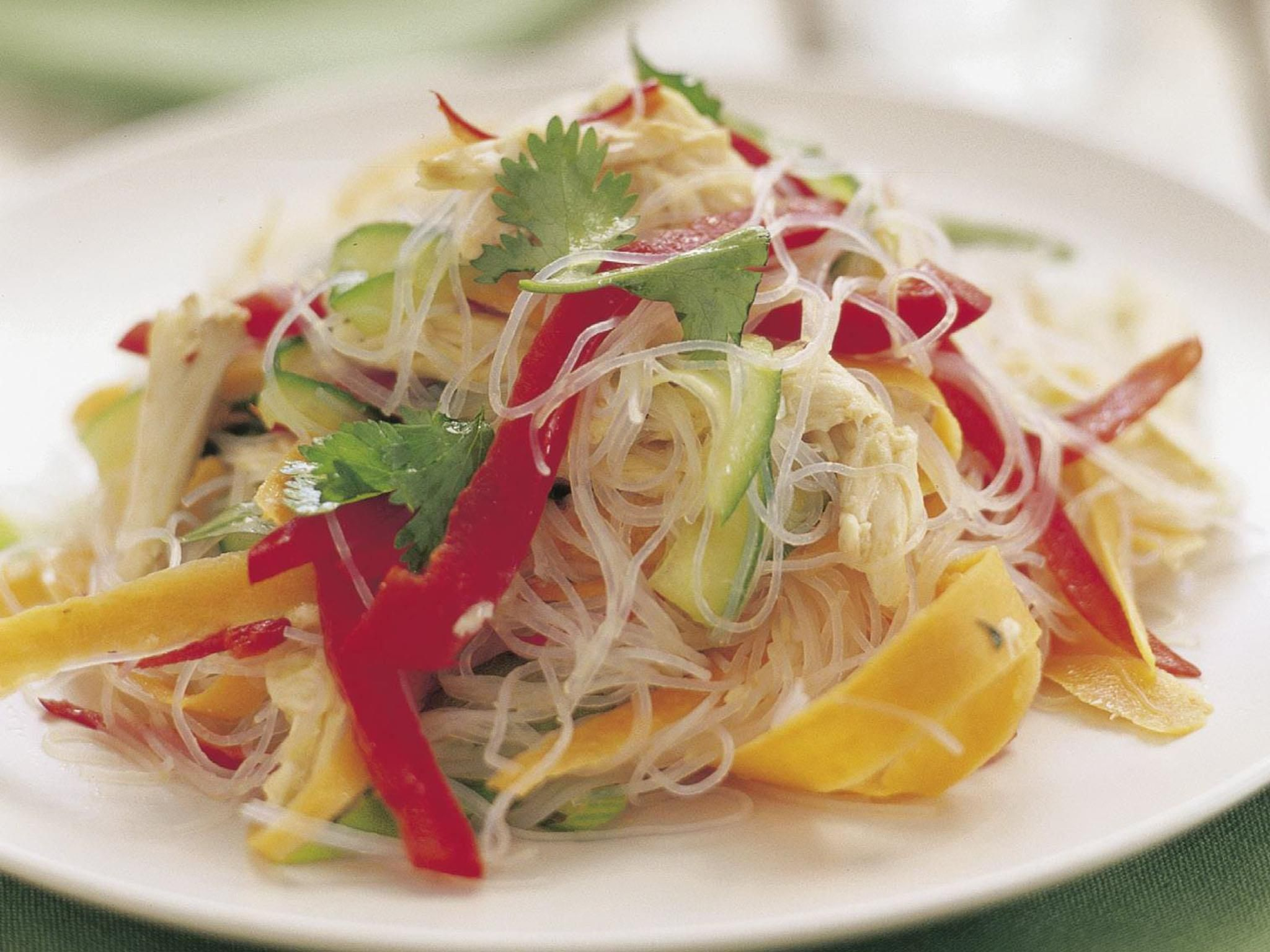 Packed with spicy vegetables, juicy chicken and seasoning, whip up this salad in fifteen minutes.