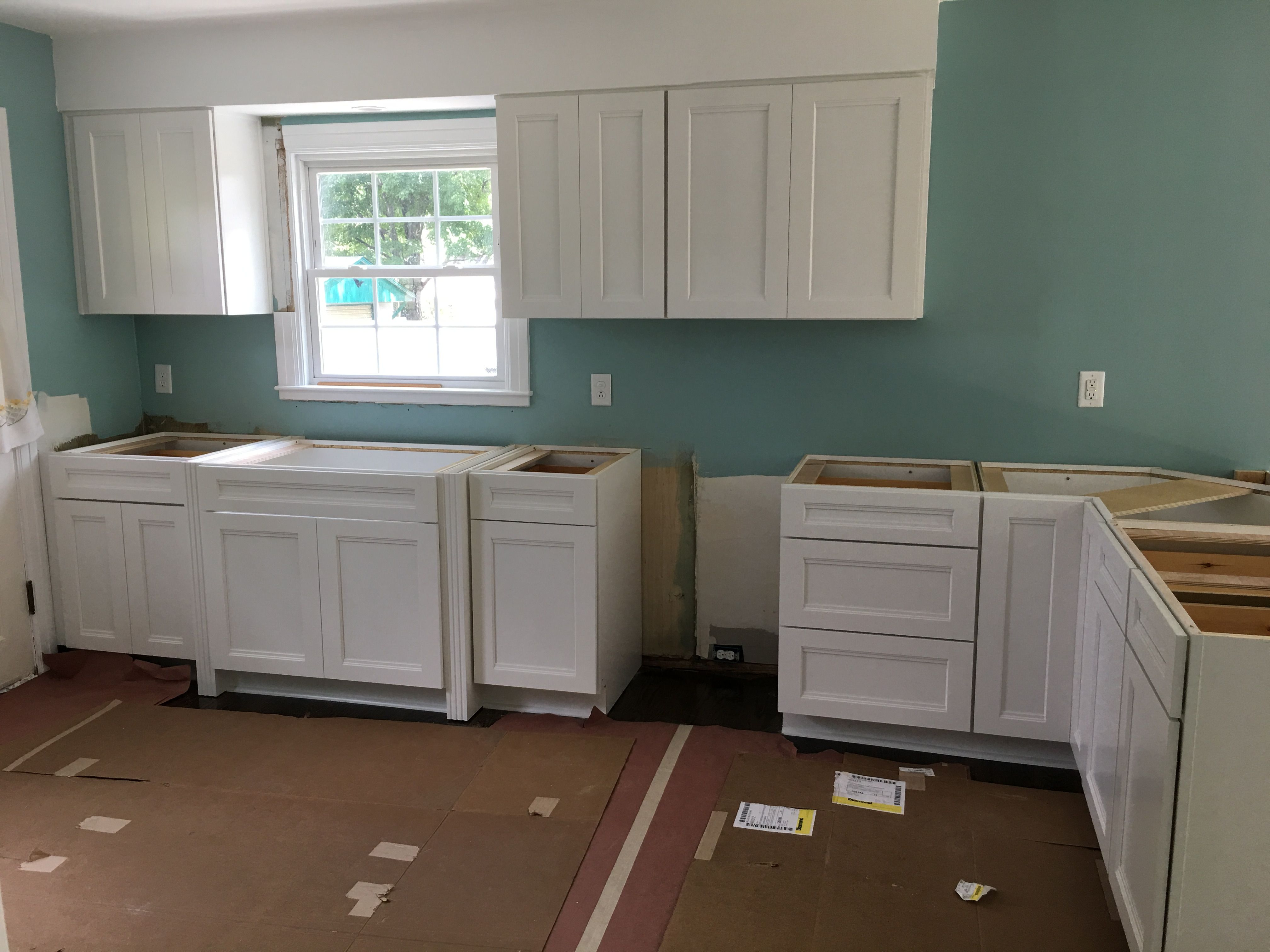 Diamond cabinet white nelson full overlay from lowes