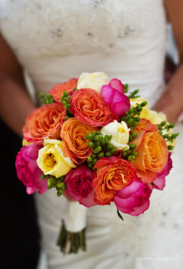love the colors in this bouquet!