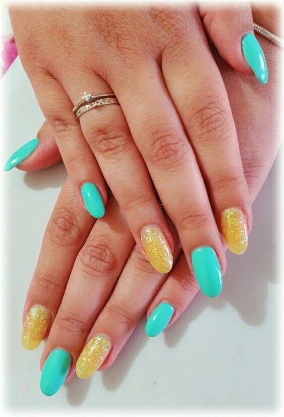 Tiffany e polvere gialla glitter