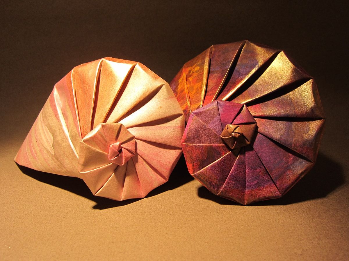 Can T Make It To The Beach Try Folding These Origami Seashells Origami And Quilling Origami Decoration Paper Crafts Origami