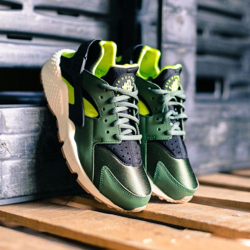 ba3b65f560e6 NIKE AIR HUARACHE RUN CARBON GREEN BLACK 634835 300