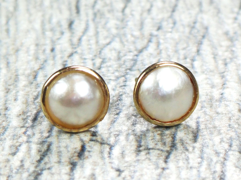75 Vintage 14k Gold Pearl Earrings Bezel Set Mabe Post Back Bridal