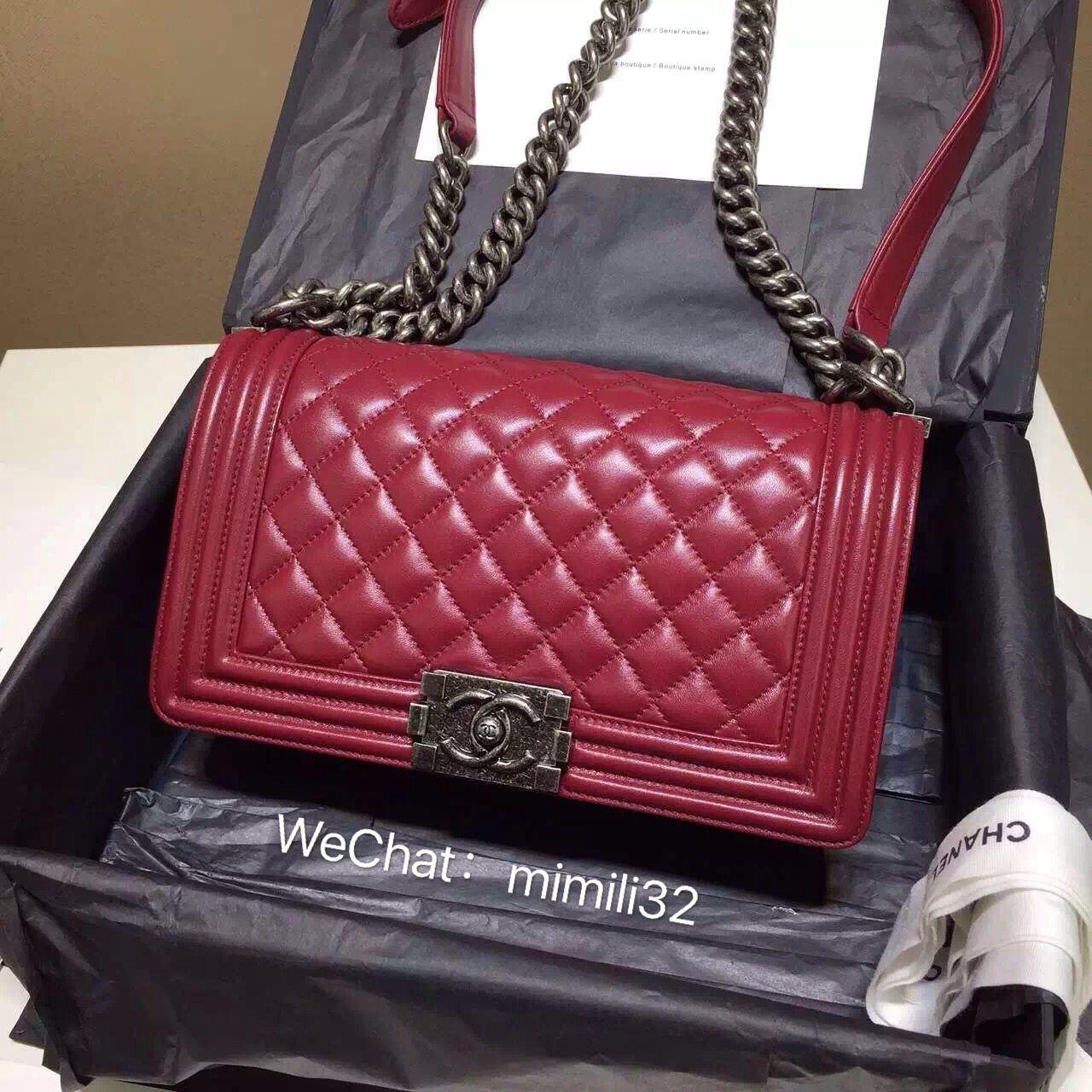 b00759283308 Chanel leboy red | Chanel le boy | Chanel boy bag, Chanel le boy, Chanel