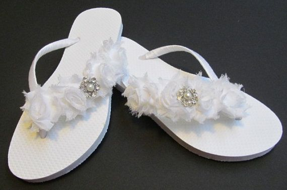 c6857416880ea bridal flip flops wedding flip flops por glamtouchboutique en etsy fashion  styles 37ce9 7c136